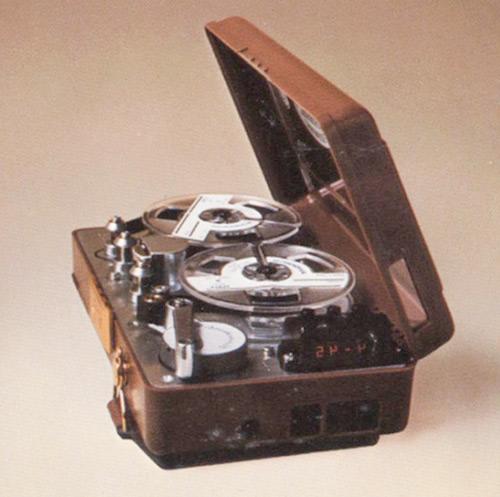 один из первых портативых холтер-мониторов