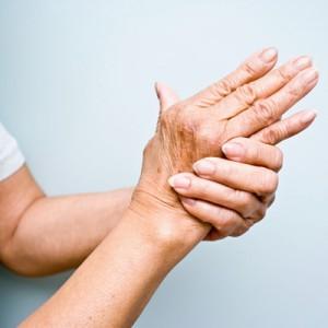 Часто лопаются сосуды на пальцах рук